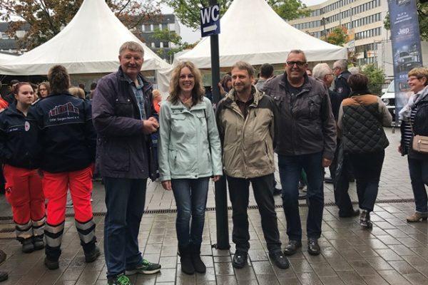 Die SPD-Stadtverordneten Andreas Haßler, Reiner Lorenz, Verena Böcking und Detlef Rujanski (v.r.n.l.) beim Tag der Feuerwehr in Weidenau.